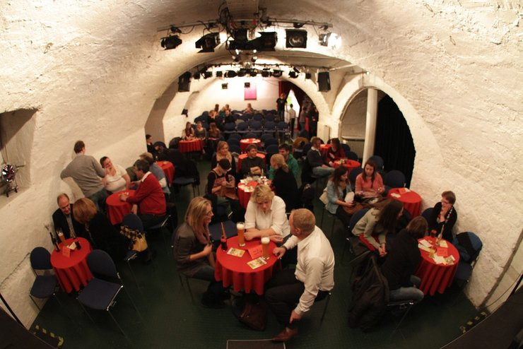 theater_unterhaus