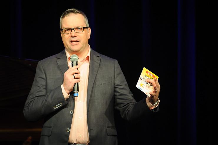 Christine Schütze gegen Don Clarke, Moderation Johannes Scherer
